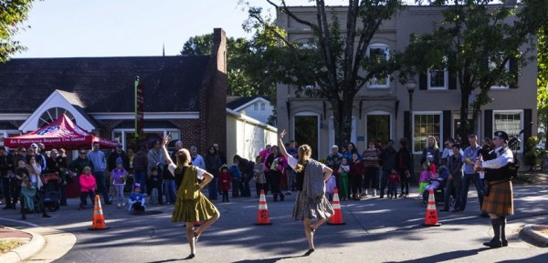 The Annadale Scottish Dancers perform at Harvest Day
