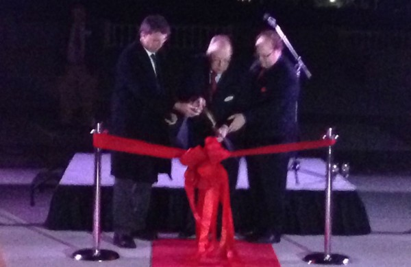 Governor McCrory, Bill Sears and Chris Rommick cut the ribbon.