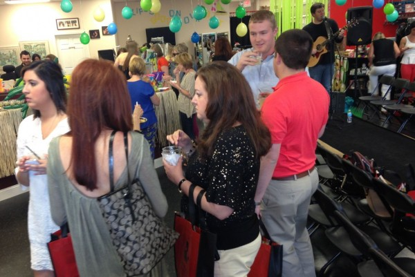 The crowd mingled and enjoyed margaritas before the show