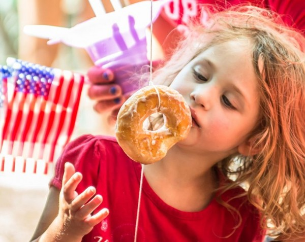 no hands could be used in the donut contest