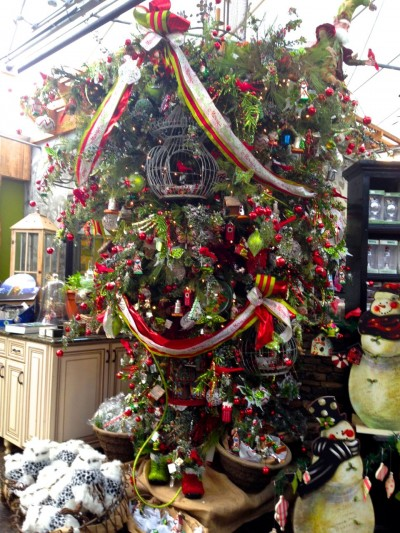 The Christmas garden Tree is hung upside down to give this more traditional trend a shot of wow!
