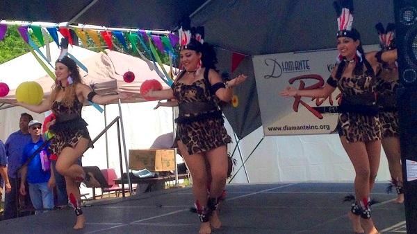 Ritmo Latino dancers