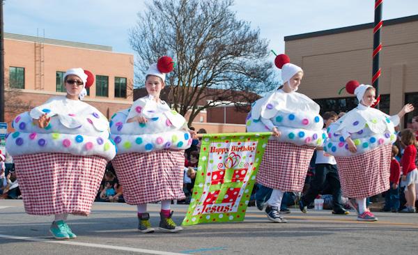 cary-christmas parade-2015-7