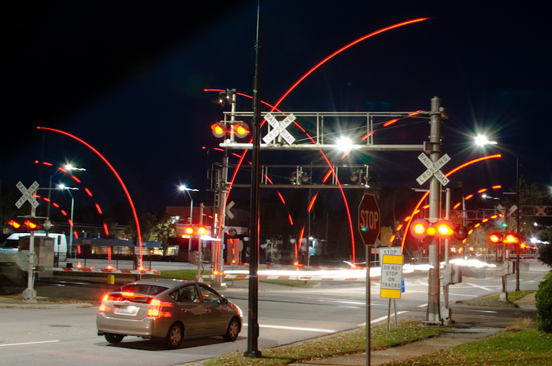 train-crossing-lights-0107