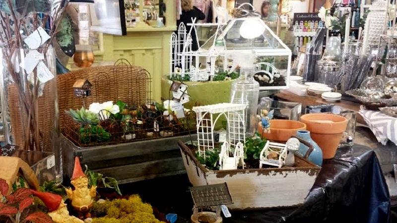 Building accessories at Ivy Cottage Collections